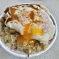 【台北・大橋頭】珠記大橋頭油飯 油飯好きが愛してやまない黄身がトロトロの卵のせ油飯(台湾おこわ)