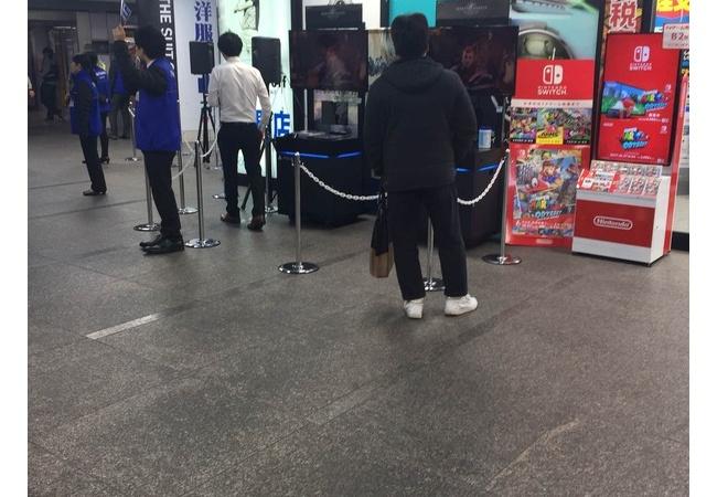 【悲報】PS4最強の弾『モンハンワールド』店頭体験会の様子が悲惨
