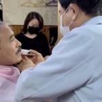 【動画】韓国、ハリス米大使が物議の「口ひげ」ソウルの床屋でそり落とす!その様子
