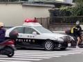 【動画】ウーバーイーツさん、華麗なテクで警察から逃走するも最後は捕まってボコボコにされるwwwwwwww