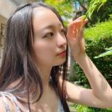 『[イコラブ] 瀧脇笙古「おでこの時の夏っぽい写真…お洋服ね、さなつんに貰ったんだよ」』の画像