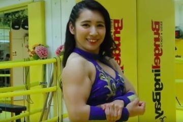 海外「彼女にしたい!こうなりたい!!」日本では異色のアイドルが海外でブームの予感?!