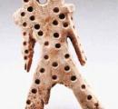 【画像】「宇宙人っぽい」「立ち姿にロックを感じる」「キモすぎる」函館の戸井貝塚で発掘された「各偶(かくぐう)」が話題に