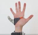 【動画】本物の指のように使える第6の指がキモ便利そう