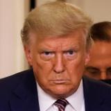 【画像】ドナルド・トランプ元米大統領の現在の姿がヤバい…別人と入れ代わった説が浮上!!!