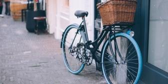 彼との出会いは彼が起こした物損事故に、私の自転車が巻き込まれたことだった。偶然だと思っていたんだけど、ある事を知ってしまいモヤモヤしている。