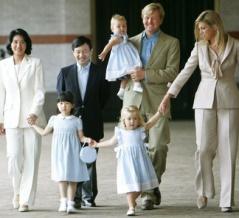 オランダ王室 同性婚を合法化 同性婚しても退位しなくてよい