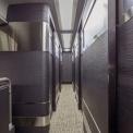 業界初 全11席のありそうでなかった「完全個室」バス 実現できたワケとは(乗りものニュース)
