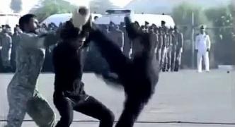 【動画】イランの特殊部隊が壺を割る演舞を披露 壺が思いのほか頑丈で全く割れないハプニング