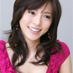 骨折で全治二ヶ月の釈由美子さん、二ヶ月経ったのに全く回復の兆しがないことが判明www