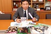 枝野幸男 「乃木坂46や欅坂46の新曲が出ると、発売日には必ず歌えるようにしている」
