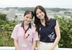 白石麻衣&今田美桜、微笑みが素敵な2ショット・・・!