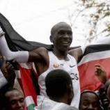 『世界初!キプチョゲ フルマラソンで二時間切る!国籍、使用シューズやドリンクは?』の画像