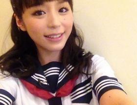 平野綾、セーラー服姿での「可愛い私」アピールに元ライフラインたちが大反発wwwwwwww