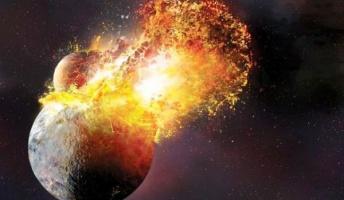 原始地球と火星サイズの惑星が衝突 → 飛散した破片で月誕生か