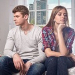 同棲始めて半年、自分の時間が持てなくなり彼女を愛しているかわからなくなりました…同棲を解消するべきでしょうか?