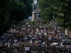 黒人デモ隊、ついにユダヤ人迫害までやってしまうwwwww キリスト像、白人至上主義の象徴との理由で取り壊しwwwww
