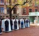 イギリス、公衆トイレ閉鎖で人々がそこら中に用足し 女王の別荘敷地内でも使用済みのトイレットペーパー発見