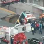 【動画】中国、バスの停留所前の道路が突然陥没!バスが飲み込まれる!さらに爆発! [海外]