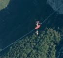 【動画】空でサーフィンをするとんでもない集団が話題に!