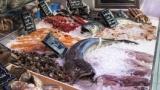 客「あのすいません、この魚ってどんな味するんですか?」 スーパーバイトワイ「そうですね…」 → 適当に嘘ついた結果www