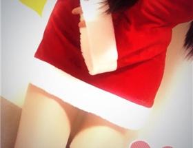 【画像】人気コスプレイヤーのくろねこさん、サンタ服を買ったが、ミニスカ過ぎてヤバイ!
