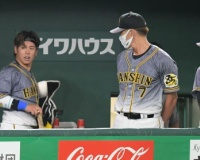 阪神・梅野が二回で交代 矢野監督「試合に出るには難しいかなという判断」