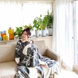 『【乃木坂46】エッッッ!!!星野みなみ、毛布に包まれたグラビアショットを投下!!!!!!』の画像