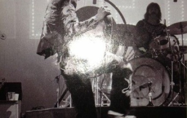 『ロックの王様・ツェッペリン、そのリーダー・ペイジ』の画像