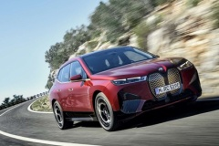 BMW、次世代EVのSUV「BMW iX」公開!