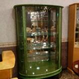 『【お客様からお問合せをいただきました】磨き仕様のワインレッドの飾り棚』の画像