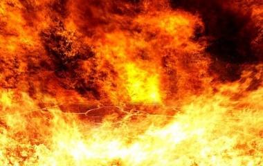 『人類「CO2減らさなきゃ...」阿蘇山「噴火ウェーイw(CO2、9999億トン!)」』の画像