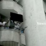 【インド】中国製品不買!2階からTV落とし破壊!中国ネット「中国の反日デモと同じだ」 [海外]