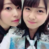 Mステ出演後に松岡はなが指原莉乃との2ショット、朝長美桜も…