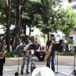『戸田市後谷公園街かど広場にてコンサート開催中です』の画像