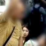 【動画】中国、地下鉄でじいさんが女子に席を譲れと強要、女子を追い出し席を奪う! [海外]
