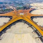 【画像】 世界最大の異形のターミナルを持つ「北京大興国際空港」がついに始業!これもうSFの世界だろ…
