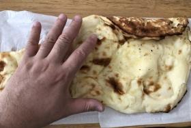 インド料理のキランの手作りナンがめっちゃ長い!〜ランチテイクアウトセットが850円でお得!〜