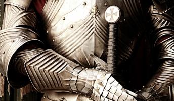 商人「この鎧は無敵ですが、愚か者には見えませんし、つけても効果がありません」