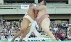 【世界の相撲】    米国 相撲オープン2013が開催! 海外のスモウレスラー達の戦いに 会場は大盛り上がり。   海外の反応