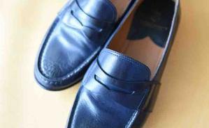 履き心地が良い ネイビー色の革靴