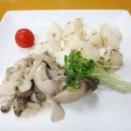 キノコのホワイトソースチーズ風味と長芋ソテーv(^0^)/