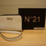 『N°21(ヌメロ ヴェントゥーノ)カードケース』の画像