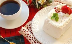 牛乳パックを活用した手作りケーキ