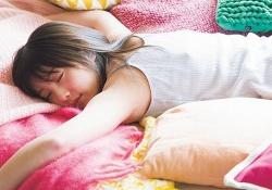 たまらんwww 筒井あやめ&与田祐希の寝顔wwwww