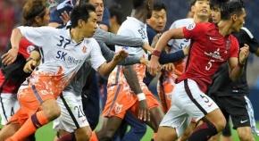 【サッカー】韓国チーム、日本選手を殴るwwwwwwwwwwwwwwwwwwwww
