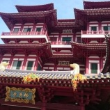 『【シンガポール観光】チャイナタウンにあるパワースポットの佛牙寺で願掛け!』の画像