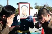 コミケで北朝鮮人が金正日死去を悲しむコスプレ! コミケ運営の審査も通った模様