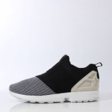 『近日発売 ADIDAS ORIGINALS ZX FLUX SLIP ON』の画像