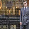 【画像あり】英国紳士、衣服が生活必需品の対象から外れたためとんでもない格好でお買い物へwwwwww